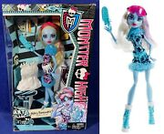 New - Abbey Bominable Monster High Doll - Art Class - Daughter Of The Yeti