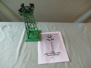Lionel 395 Green Floodlight Tower In Working Condition