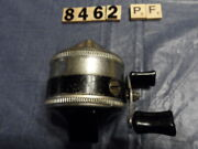 T8462 Pf Zebco 33 Spinner Fishing Reel Early One Rivet Metal Foot Made In Usa