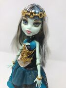 Monster High Doll Frankie Stein 13 Wishes W/lamp Used