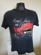 Roger Waters The Wall Live 2012 Concert Band T-shirt Pink Floyd Size Small