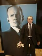 Hot Toys Agent Phil Coulson The Avengers Mms189 Figure Shield