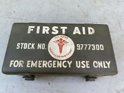 Vintage Wwii Us Army Jeep First Aid Kit With Contents
