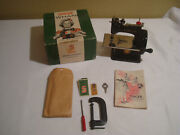 Singer Sewhandy Model 20 Childs Sewing Machine