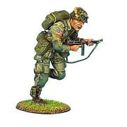 Nor009 - Us 101st Airborne Corporal Running W Thompson Smg - Wwii - First Legion