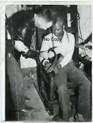 2 Photos - Electric Skin - Execution - Usa 1940 - Boarded In Death