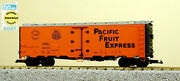 Usa Trains R16505 G Sp And Up - Pacific Fruit Express 40' Refrigerator Car 1