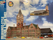 Walthers Cornerstone 933-2943 Milwaukee Everett St Station And Train Shed Denmark