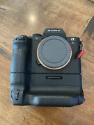 Sony Alpha A7s Ii 12.2mp Digital Camera + Battery Grip Batteries Sd Card Cage
