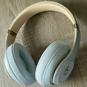 Beats Studio 3 Over-ear Headphones Skyline Collection - Crystal Blue With Case