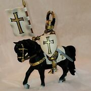 Schleich Ritter Mounted Standard Bearer White-gold 70035 Out Of Box Retired