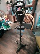 Vintage Very Rare Cast Iron Smoking Stand Ash Tray Lions And Clover