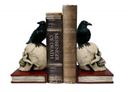 Dwk - Murder And Mystery - Ravens On Skulls Bookends Gothic Poe Crow Reading Home