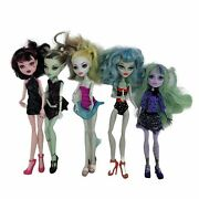 Lot Of 5 Mattel Monster High Doll Lot And Accessories Twyla Frankie Stein Draculau