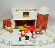 Vintage 1968 Fisher Price Little People Play Family Farm  915