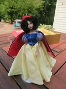 Disney Doll Limited Edition Snow White And The Seven Dwarf Knickerbocker