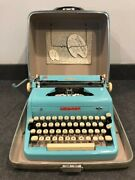 Vintage 1950's Royal Quiet Deluxe Portable Typewriter W/ Carrying Case