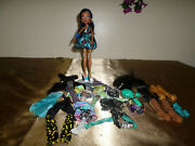 Monster High Doll Lot Of 1 Doll + Clothes,shoes And Accessories.