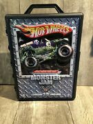 Hot Wheels Monster Jam Grave Digger Monster Truck Case With 15 Teucks Included.