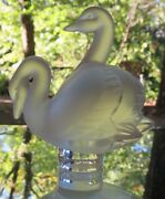 Lalique Crystal Two Swans Deux Cygnes Swans Seal Figurine Mint France