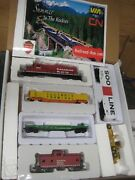 Ho Walthers Canadian Pacific Train Set Powered Diesel Locomotive W/ 4 Cars Plus