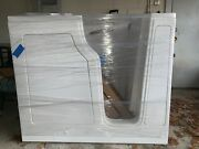 Tub Walk-in Right Door Tub With A Seat And Jets