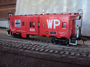 2 Athearn And039customand039 Ho Gauge And039redand039 Western Pacific Bw Cabooses- Nice Look
