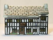Wade Whimsey On Why Stag Hotel 15 Set 2 English Miniature Porcelain Village