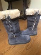 Ugg Women Classic Sheepskin Boots Size 7 Warm And Comfy