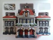 1989 Dickens Village Series Victoria Station Porcelain Collectible 5574-3 In Box