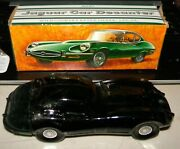 Decorative Avon Jaguar Car Decanter With Wild Country Aftershave