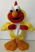 Sesame Street Chicken Dance Elmo By Fisher Price Sings/flaps Works Battery Incl.