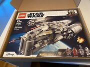 Lego Star Wars The Mandalorian The Razor Crest 75292- New In Hand-free Shipping