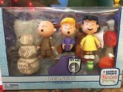 Memory Lane 2003 A Charlie Brown Christmas Peanuts Figure Collection