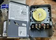 New Open Box Intermatic Wh40 Electric Water Heater Timer  B575p