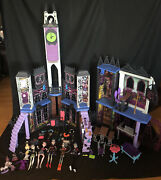 Monster High Doll House Deadluxe Haunted School Playset Castle W/ Furniture