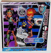 Monster High Collection_exclusive Werewolf Sister Pack__clawdeen And Howleen Dolls