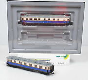 2 Pieces Trix 21242 Car For Court Train From Kaiser Wilhelm Ii Unrecorded / Ob