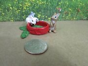 Schleich Baby Bunnies Rabbits Eating From Red Dish Retired 13725