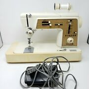 Singer Touch And Sew Zig Zag Sewing Machine Model 635 W/ Foot Pedal + Carry Case