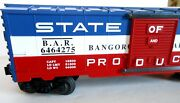 Lionel 6464-275 State Of Maine Boxcar. Re-make Of A Postwar Boxcar. 4 Pictures