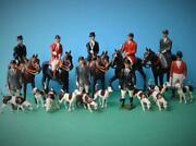 Britains Vintage Lead Hunt Meet Set Mounted And Standing Huntsmen / Women And Hounds