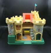 Fisher-price Play Family Castle Complete Little People And Accessories 993 Vintage