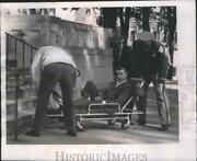 1961 Press Photo Officers Carry Richard Nickl Into Sauk County Courthouse