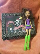 Clawdeen Monster High 2008 Doll And Accessories Lot + Carry Case Used      A