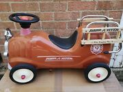 Vintage 1980and039s Radio Flyer No9 Fire Engine Ride On/push Along Truck