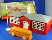 Plasticville - O-o27 - 1608-100 School W/bus And Flag - Complete - Excellent++