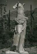 1951 Press Photo Winged Victoryand039s Sister Statue At A Temple On Samothrace Island