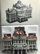 Department 56 Victoria Station Heritage Dickens Village Series Boxed 5574-3 Mint