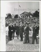1963 Press Photo Officers Join Crowd At John Kennedy's Grave, Arlington Cemetery